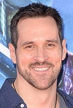 Travis Willingham's primary photo