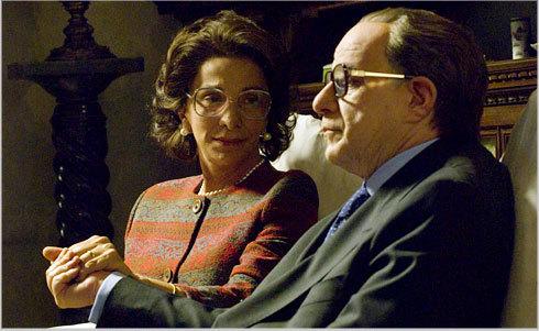Anna Bonaiuto and Toni Servillo in Il Divo (2008)