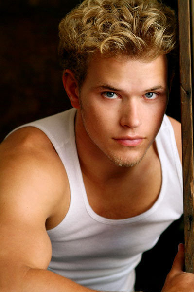 kellan lutz twilight