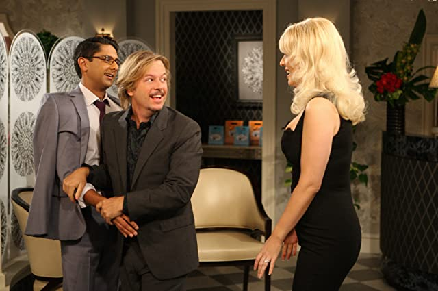 David Spade, Wendi McLendon-Covey, and Adhir Kalyan in Rules of Engagement (2007)