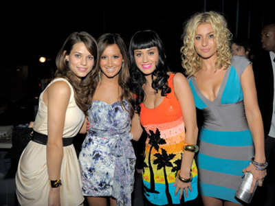 Ashley Tisdale, Lyndsy Fonseca, Aly Michalka, and Katy Perry
