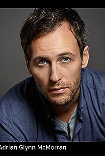 Aktori Adrian Glynn McMorran