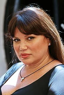 Aktori Serena Grandi