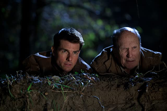 Tom Cruise and Robert Duvall in Jack Reacher (2012)