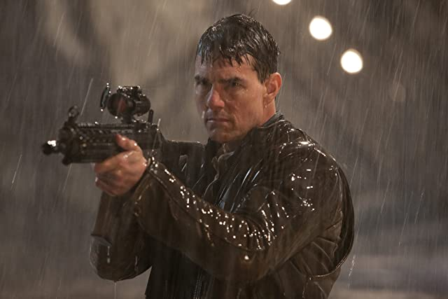 Tom Cruise in Jack Reacher (2012)
