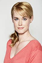 Image of Abigail Hawk