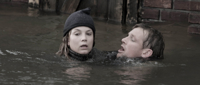 Barry Atsma and Sylvia Hoeks in The Storm (2009)