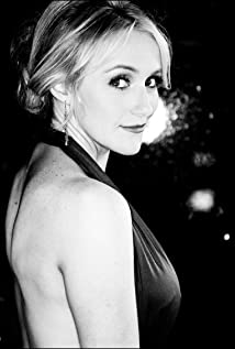 Betsy Wolfe Picture