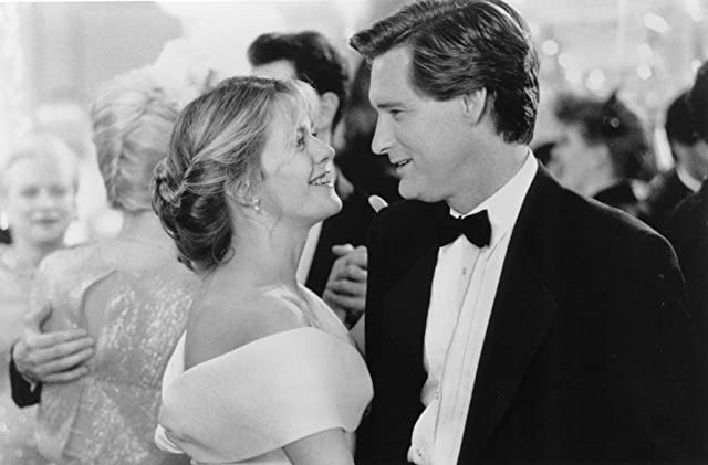 Meg Ryan and Bill Pullman in Sleepless in Seattle (1993)