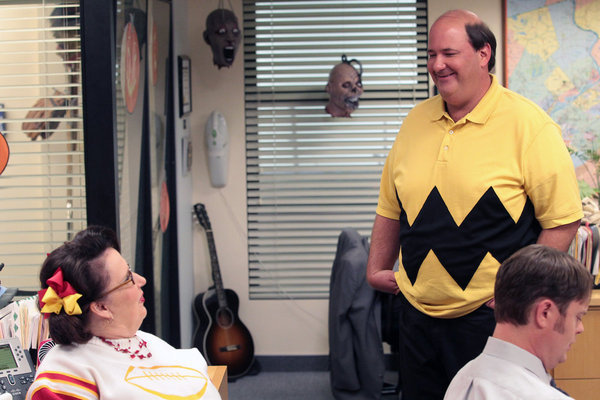 Phyllis Smith, Rainn Wilson, and Brian Baumgartner in The Office (2005)