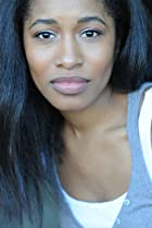 Image of Amina Robinson