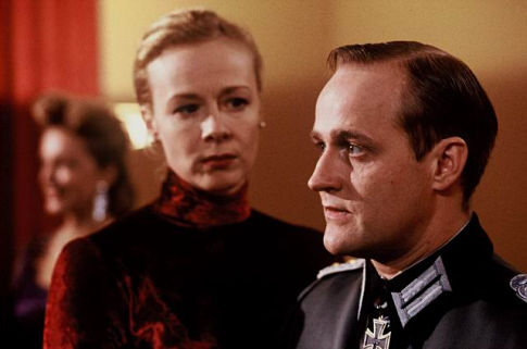 Katja Riemann and Jürgen Vogel in Rosenstrasse (2003)