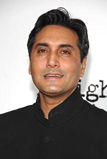 Aktori Adnan Siddiqui