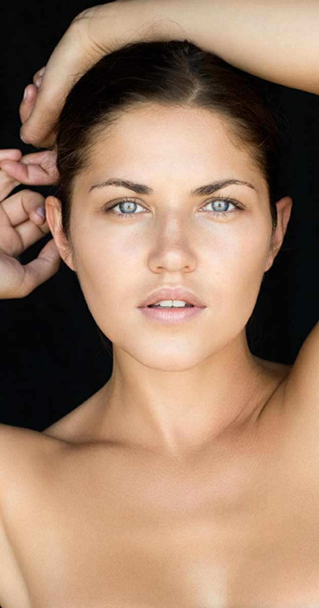 Marika Dominczyk naked