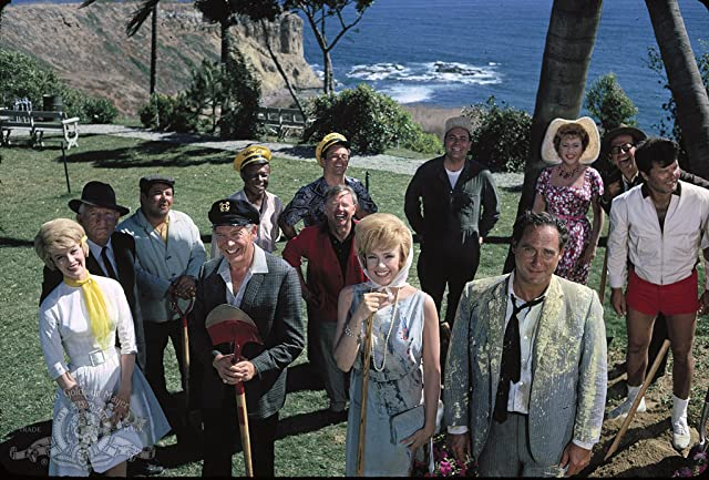 Spencer Tracy, Milton Berle, Mickey Rooney, Buddy Hackett, Jonathan Winters, Edie Adams, Sid Caesar, Ethel Merman, Dorothy Provine, Dick Shawn, and Phil Silvers in It's a Mad, Mad, Mad, Mad World (1963)