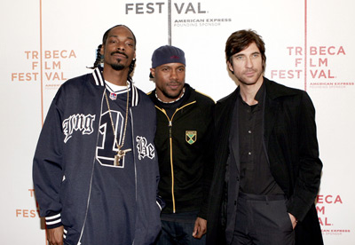 Dylan McDermott, Snoop Dogg, and Danny Green at The Tenants (2005)