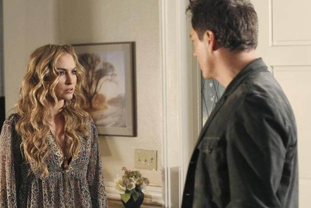 Drea de Matteo and John Barrowman in Desperate Housewives (2004)