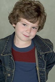 Aktori Andrew Cherry