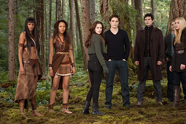 Peter Facinelli, Christian Camargo, Judith Shekoni, Casey LaBow, Robert Pattinson, and Tracey Heggins in The Twilight Saga: Breaking Dawn - Part 2 (2012)