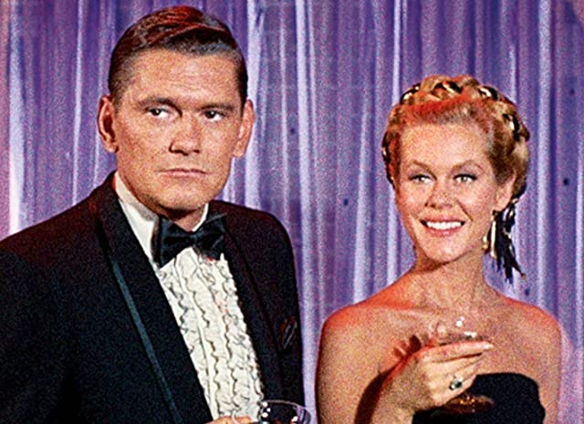 Elizabeth Montgomery and Dick York in Bewitched (1964)