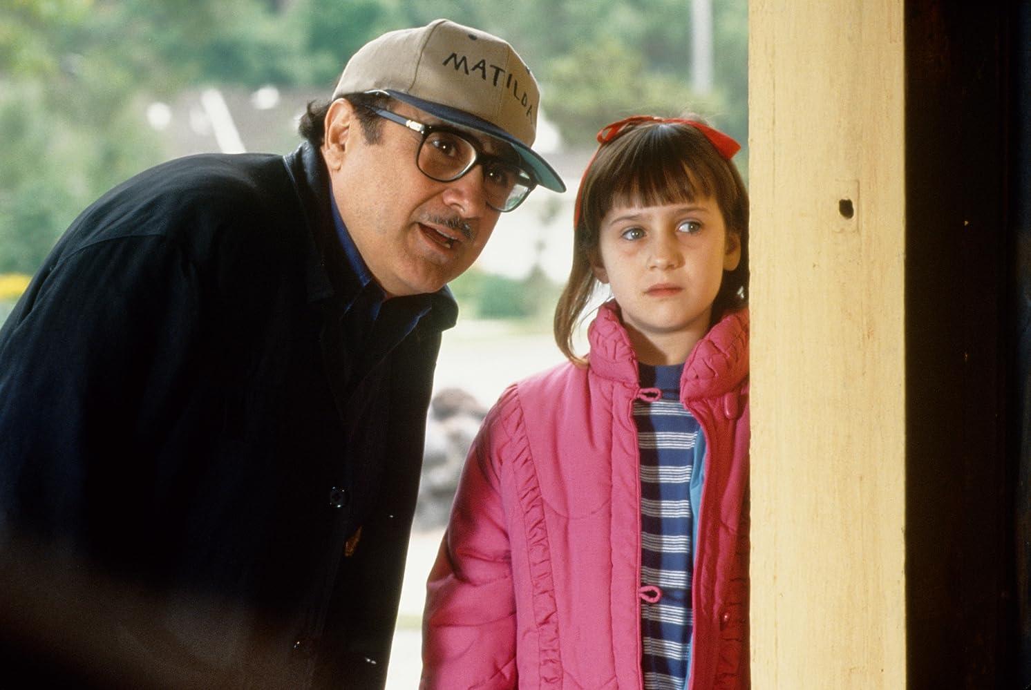 film analysis matilda (matilda le film) les acteurs en français de matilda sont : danny devito (vf : philippematilda (1996) - escape from trunchbull scene (6/10) | movieclips - продолжительность: 3:43.