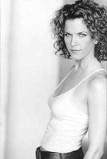 Yvette Nipar Picture