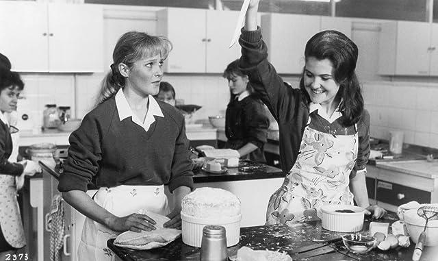 Catharine Duncan and Gillian Kearney in Shirley Valentine (1989)