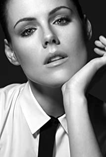 Kathleen Robertson New Picture - Celebrity Forum, News, Rumors, Gossip
