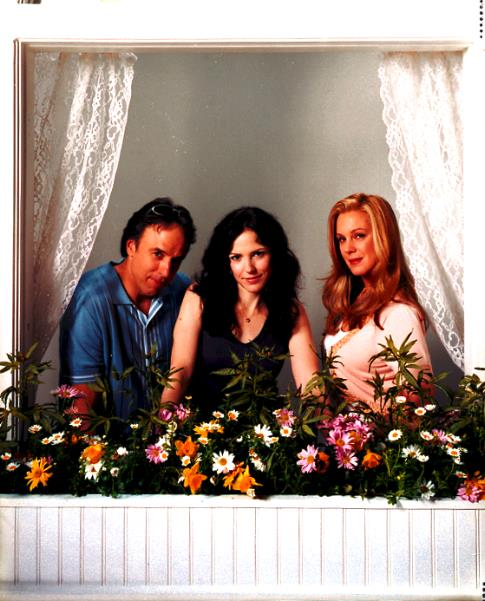 Mary-Louise Parker, Elizabeth Perkins, and Kevin Nealon in Weeds (2005)