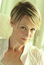 Mary Stuart Masterson's primary photo