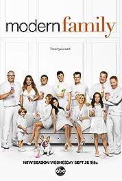 Modern Family - Season 9 (2017) poster