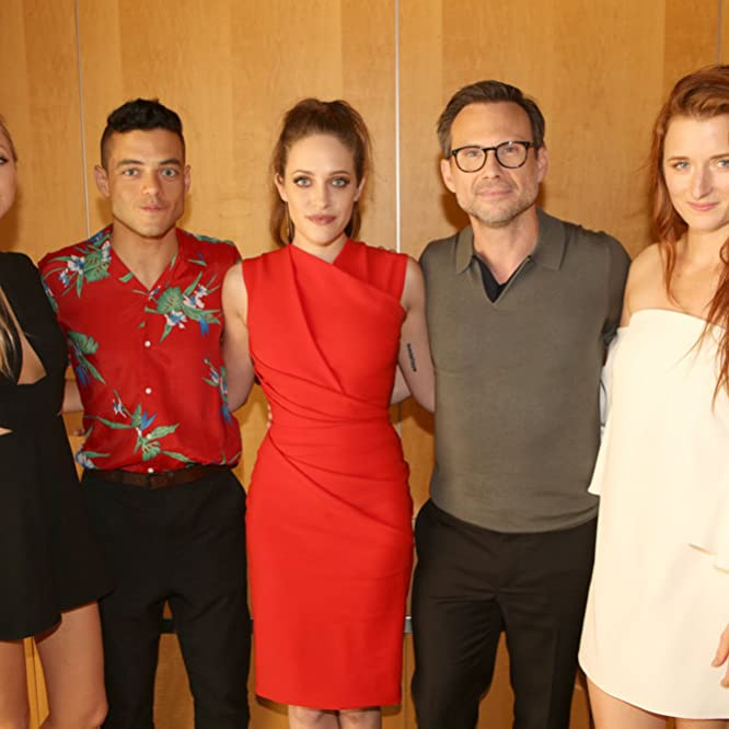 Christian Slater, Portia Doubleday, Rami Malek, Carly Chaikin, and Grace Gummer at an event for Mr. Robot (2015)
