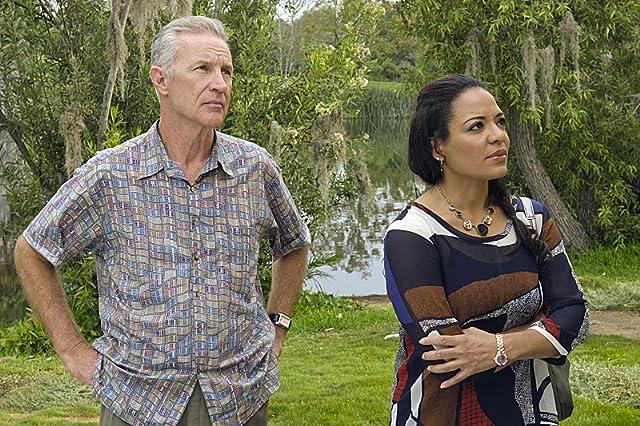 Geoff Pierson and Lauren Luna Vélez in Dexter (2006)