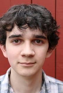 Aktori Zach Mills