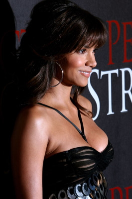 Halle Berry at Perfect Stranger (2007)
