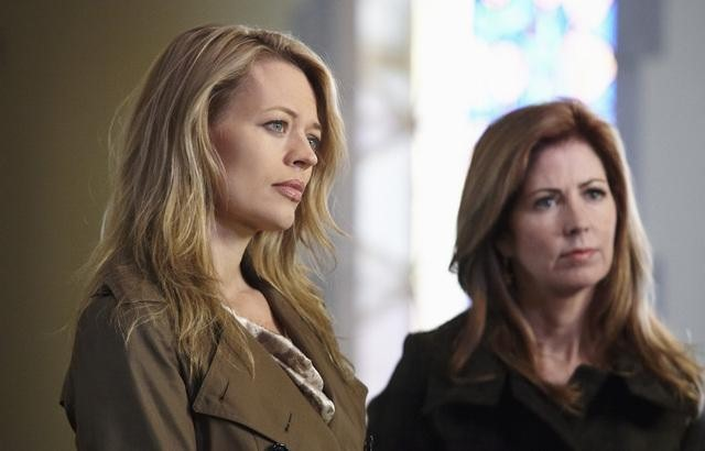 Dana Delany and Jeri Ryan in Body of Proof (2011)