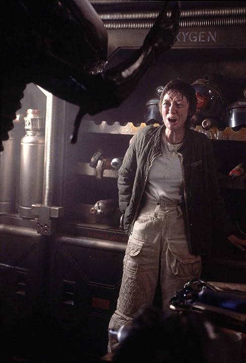 Veronica Cartwright and Bolaji Badejo in Alien (1979)