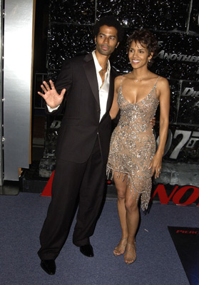 Halle Berry and Eric Benét at Die Another Day (2002)