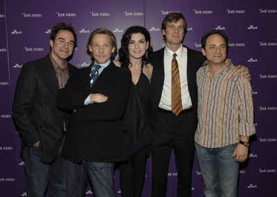 Julianna Margulies, Kevin Pollak, Roger Bart, Dennis Christopher, and Peter Krause at The Lost Room (2006)