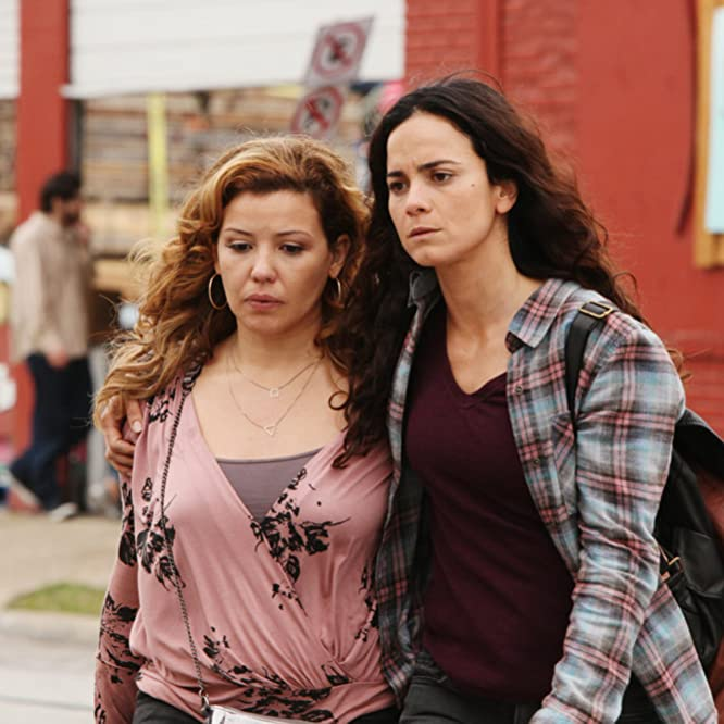 Alice Braga and Justina Machado in Queen of the South (2016)