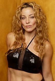 Aktori Denise Faye