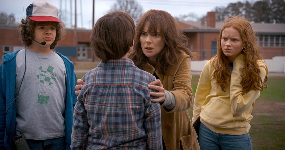 Max, Will, Dustin en Joyce in Stranger Things 2