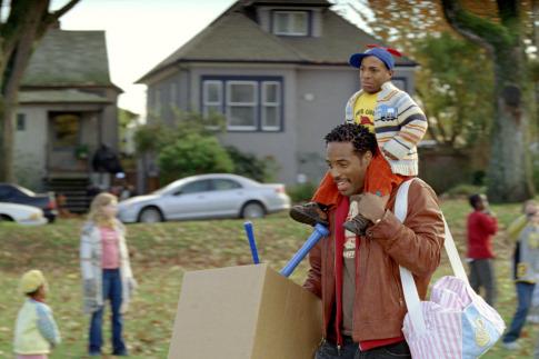 Marlon Wayans and Shawn Wayans in Littleman (2006)