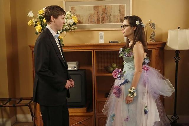 Zooey Deschanel and Johnny Pemberton in New Girl (2011)