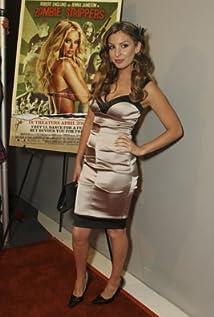Aktori Laura Bach