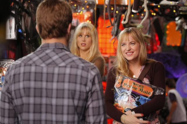 Dakota Johnson and Lucy Punch in Ben and Kate (2012)