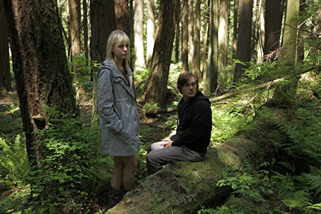 Kevin Zegers and Adelaide Clemens in Vampire (2011)