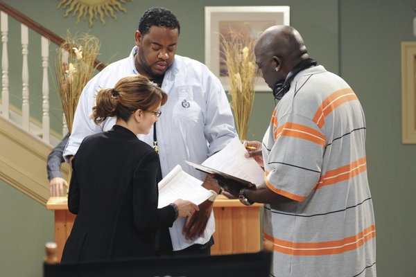 Kevin Brown, Tina Fey, and Grizz Chapman in 30 Rock (2006)