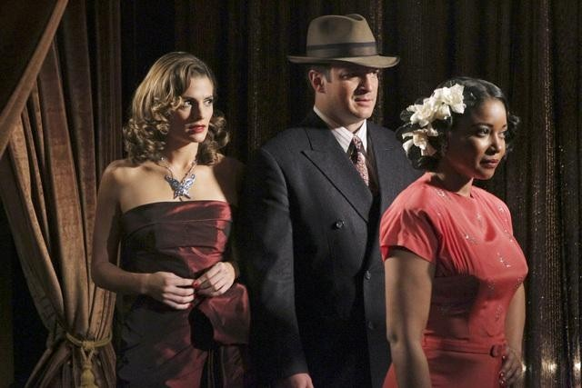 Tamala Jones, Nathan Fillion, and Stana Katic in Castle (2009)