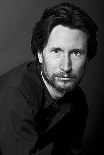 Aktori Jonathan Aris